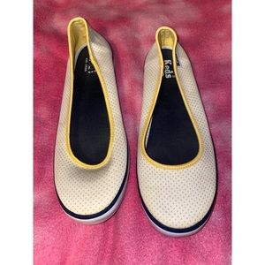 Keds Size 9 Yellow Polka Dotted Shoes